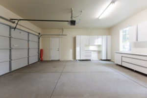 Factors to Consider When Choosing Replacement Windows for Your Garage